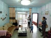 人民广场旁水木年华 住家装修 带阳台和露台 价格便宜 楼层不高