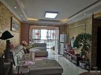 抢!兴龙湖畔,天秀龙湾电梯房,大三房2卫,带家具家电,只要60多万!