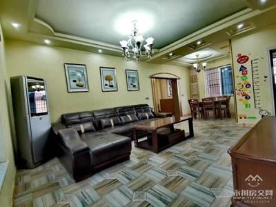 出售维诗卡4室2厅2卫116平米76万住宅
