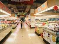 出售兴龙湖唯一菜市场10平米12万商铺