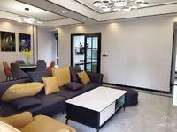 兴龙湖畔,兴龙湖一号全新现代风格精装大四房,南北通透,全中庭,视野好,急售