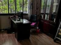 出租中央大街2室2厅1卫81平米600元/月住宅