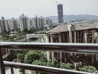 出售君临棠城4室2厅2卫140平米45万住宅