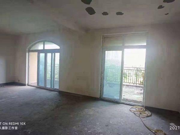 万达对面园林小区凰城华府正4房清水带露台现房急售