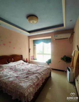 出售泊金湾3室2厅2卫120平米64.8万住宅