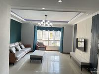 新区,人民医院旁,凤凰城电梯房,现代风格精装大4房,低价急售