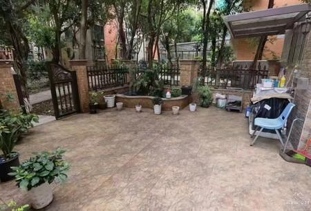 人民广场旁,学府美墅80平米私家花园 住家豪装三房双卫 装修花了30多万 有地暖
