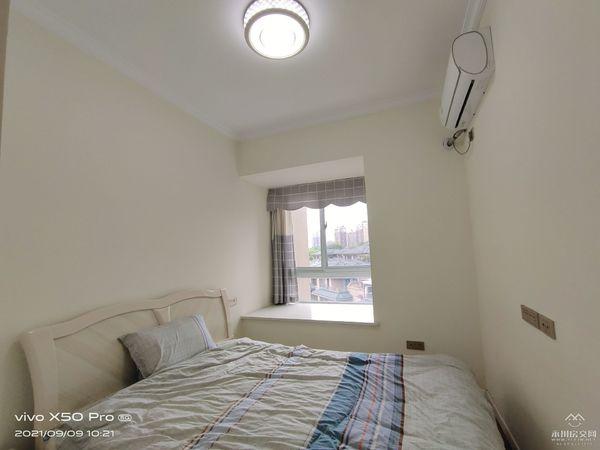 新永中对面金科住家精装大三房带大阳台 楼层好 住家清静